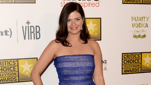 News video: Happy Endings' Casey Wilson and David Caspe Engaged!